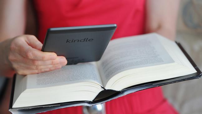 digital-vs-paper-book-136392824940603901-140822102208