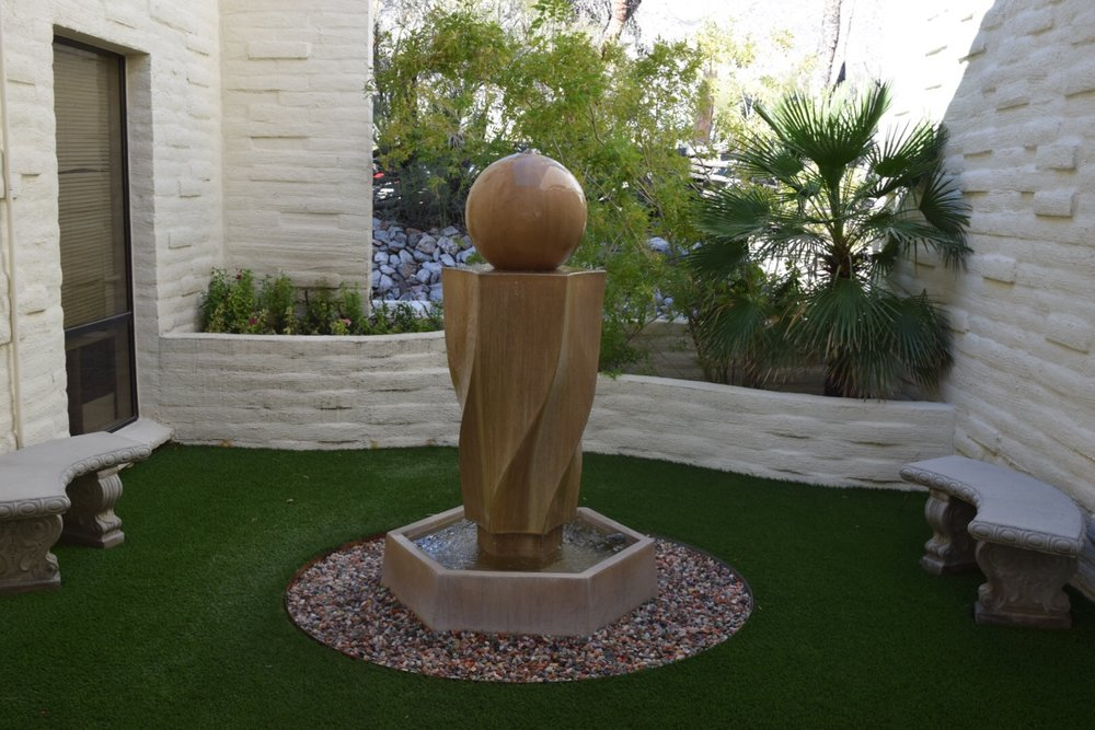 Tucson psychiatrist office outdoor courtyard with sculpture