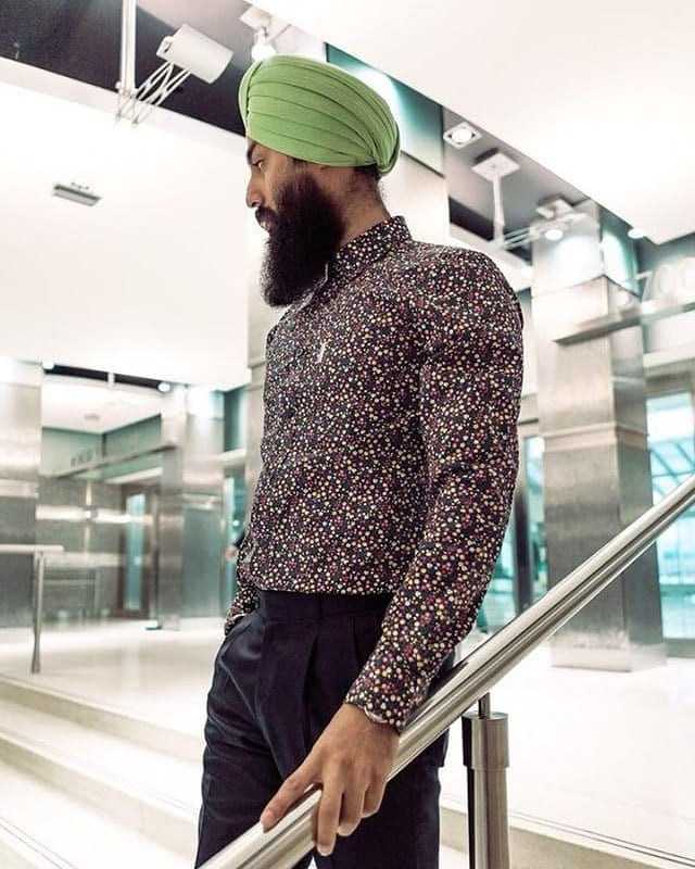 ANOTHER CONTEST ALERT!  This month I'm taking part in @benshermancanada Shirt of the Month Contest.  To enter, go to the @benshermancanada page, like the contest photo and vote for your favourite shirt by commenting STYLEDBYHARJ (SHIRT 2 IS ME!) Photography - @nebharfi  #styledbyharj #bensherman #canada #sponsored #contest #shirtofthemonth #floral #spring