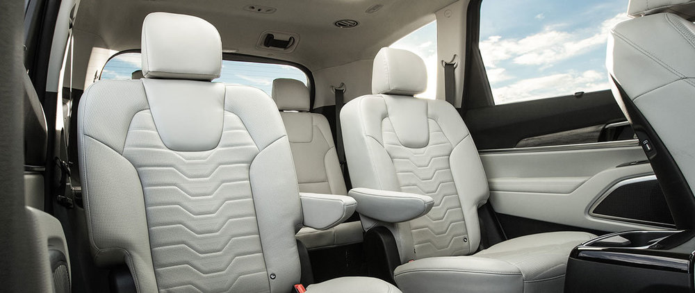 © Kia Telluride Captain's Chairs