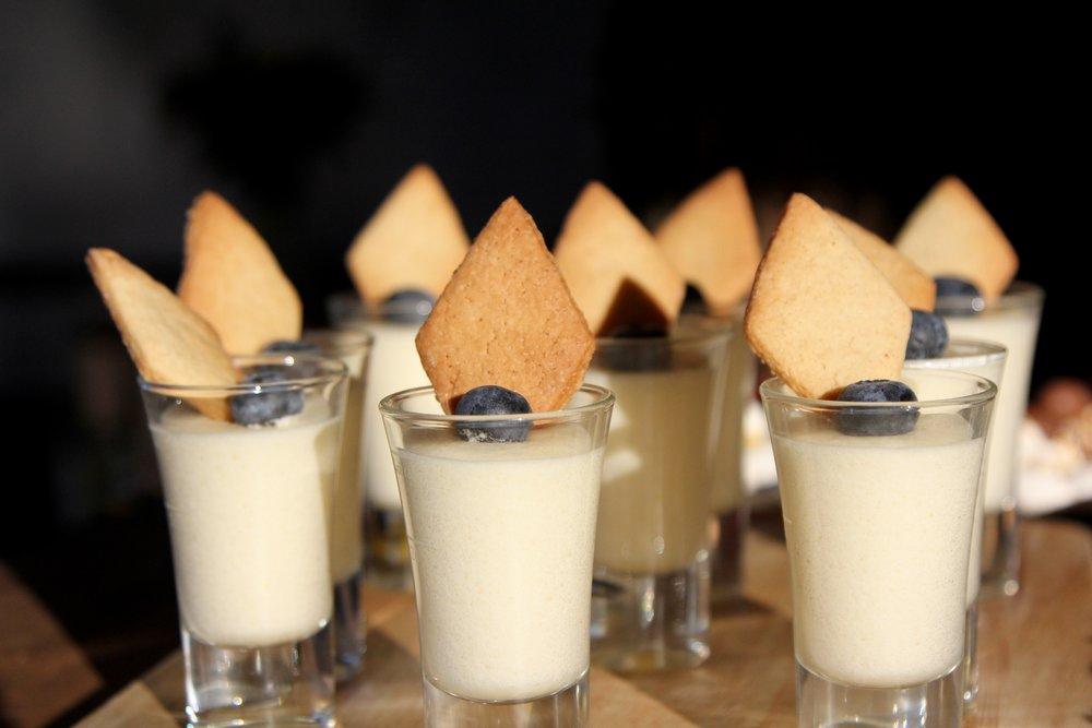 Mini lemon mousse with ginger biscuit