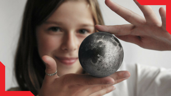 LUNAR - Moon Model with AR Technology