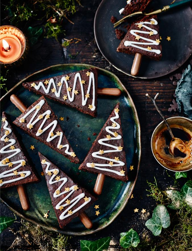 Spiced-Christmas-tree-brownies