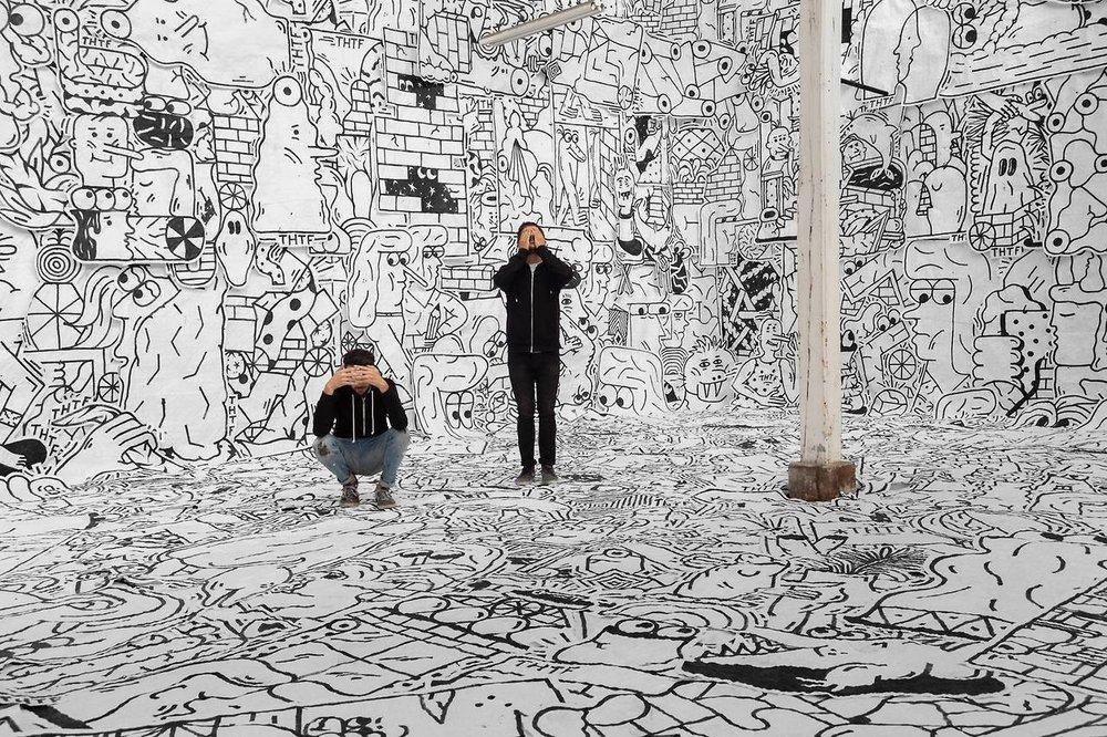 - THTF est un duo surprenant. Les artistes commencent à dessiner sur les bancs de l'école et forment THTF en 2009. Ils interviennent sur des grands formats puis collent leurs illustrations sur les murs bétonnés du monde entier. Leurs       personnages étonnants sont entremêlés de formes géométriques et de détails surréalistes.Ce travail leur ouvre les portes du monde de l'art contemporain, de ses galeries et ses rendez-vous culturels incontournables. En 2016, ils rejoignent la programmation artistique de l'Année de la France en Corée organisée par l'Institut Français à Séoul et co-signent l'affiche de l'événement avec Jean-Charles de Castelbajac.Pour Nektart Wine, ils signent une oeuvre originale.