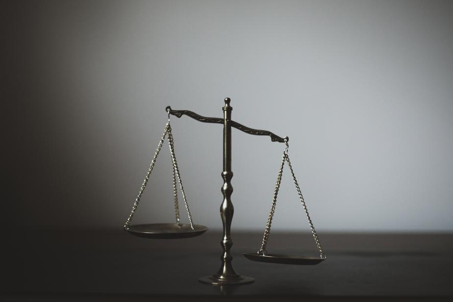 scales-of-justice_925x.jpg