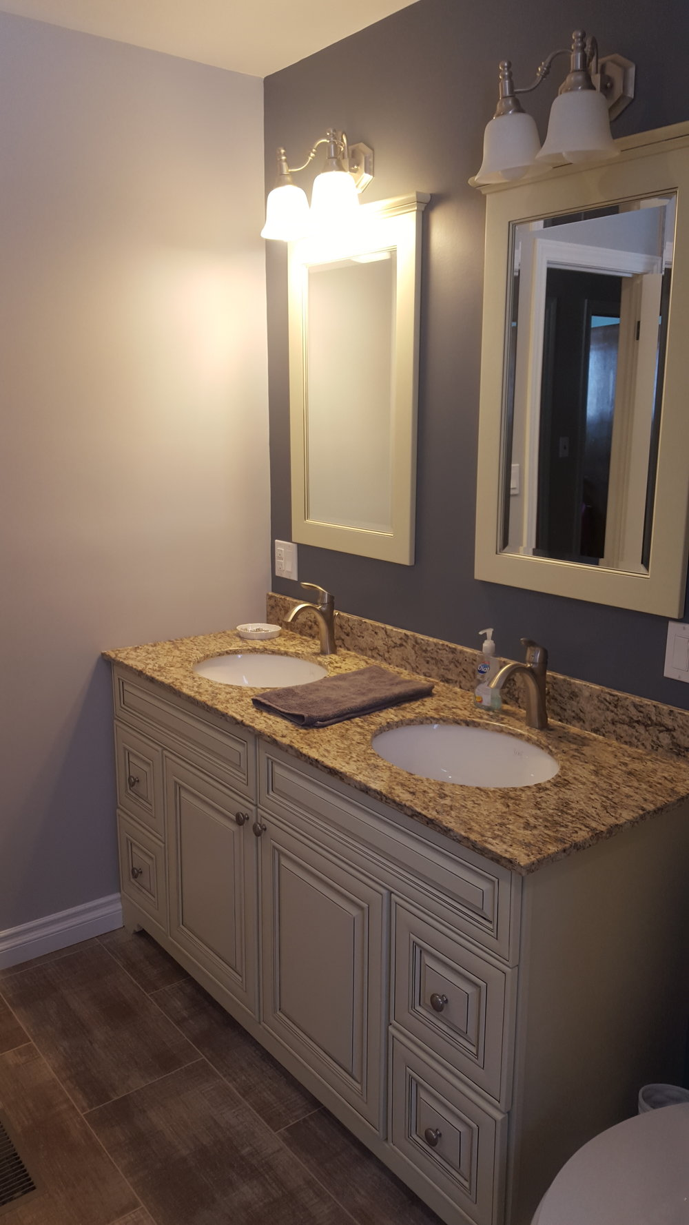 Bathroom Reno 16.jpg