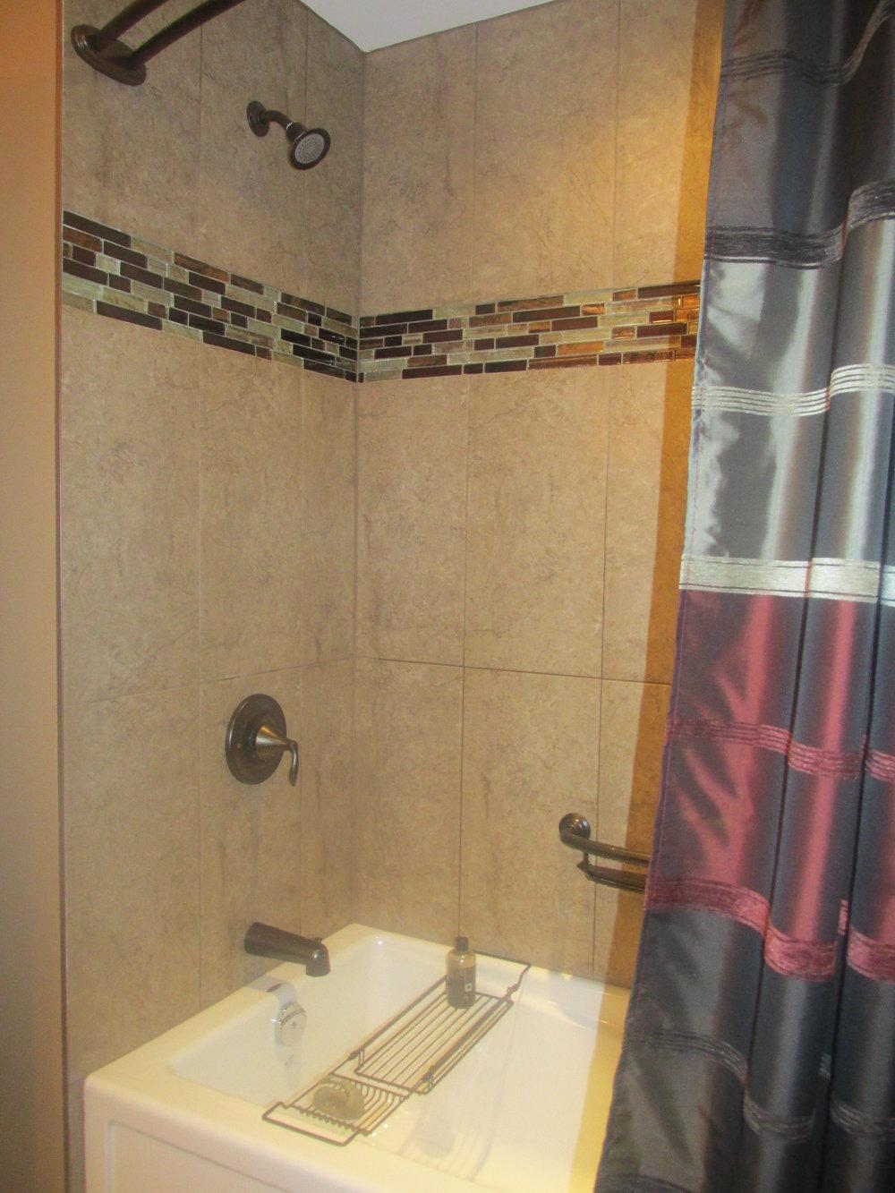 Bathroom Reno 44.jpg