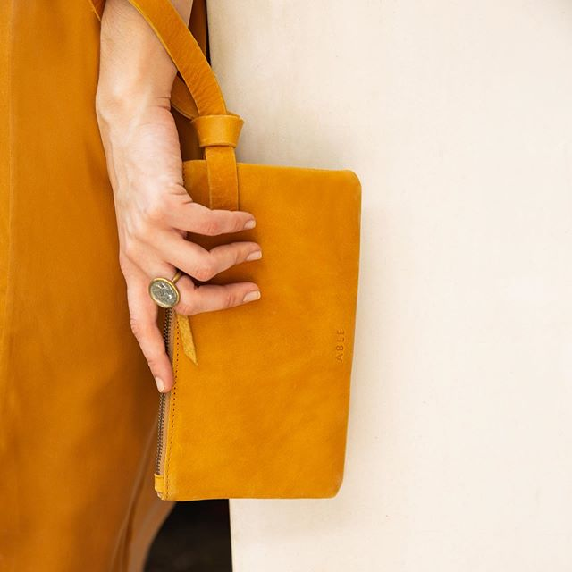 A chic hands-free way to carry your favorite things. The Rachel Wristlet by @livefashionable | Image by @honorcreative
