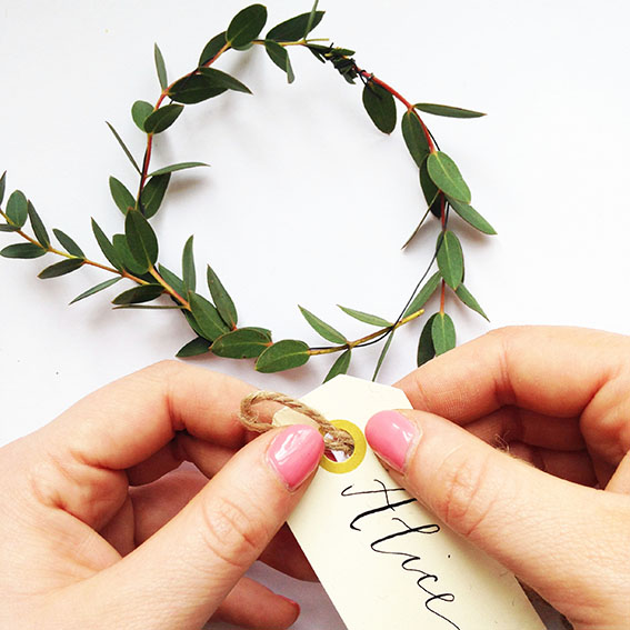 Simple_eucalyptus_wreath_step6.jpg
