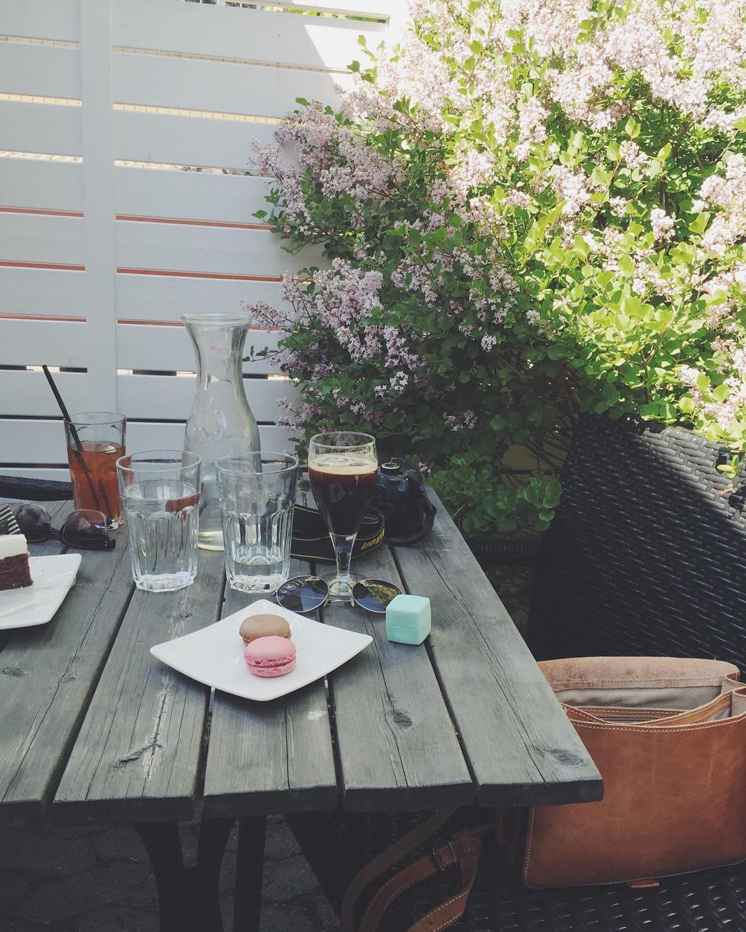 Når man endelig kan tilbringe etterlengtet kvalitetstid med en du savner å ha i hverdagen #coffeeshop