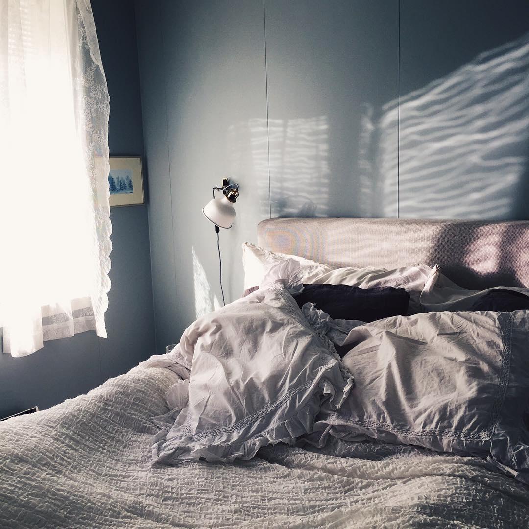 ✨✨ #tusenogenhatt #tusenogenhattcom #rom123 #boligliv #boligdrøm #boligpluss #interior4all #boligliv_dk #vakrehjemoginteriør #heminredning #kkliving #elledecoration #apartmenttherapy #boliginretning #boligliv #rumrum #bedroom
