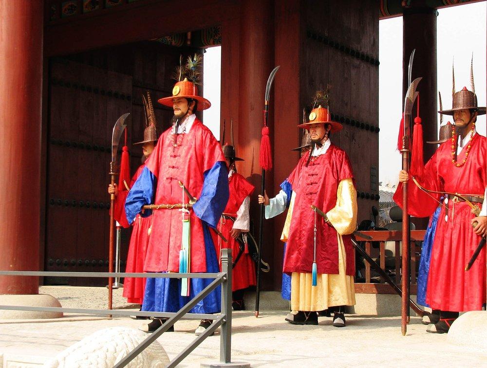 gyeongbokgung-guards.jpg