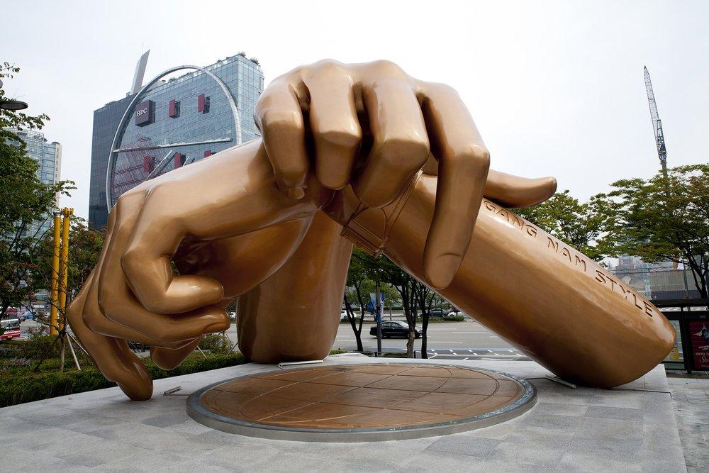 gangnam-style-hands.jpg