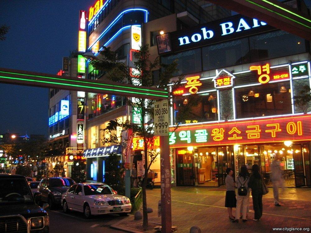 hong-night-worldneighborhoods.com:.jpg