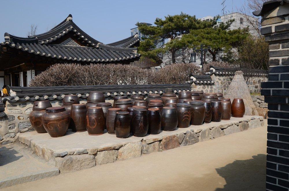 behind-gyeongbok-palace.jpg