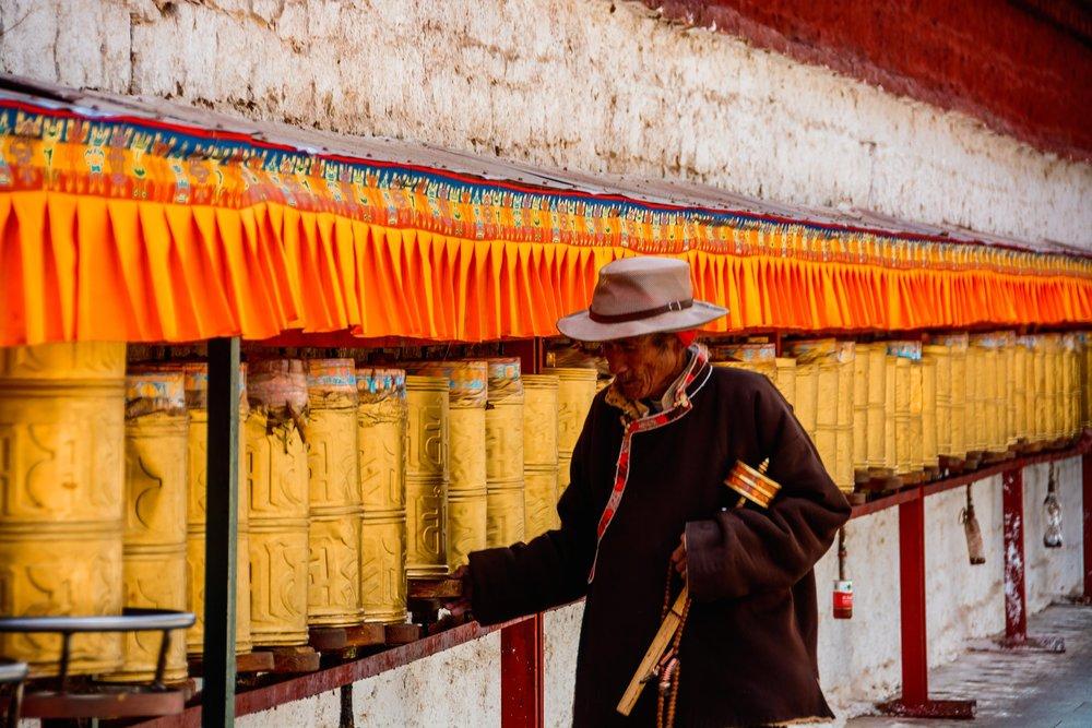 lhasa-pilgrim.jpg