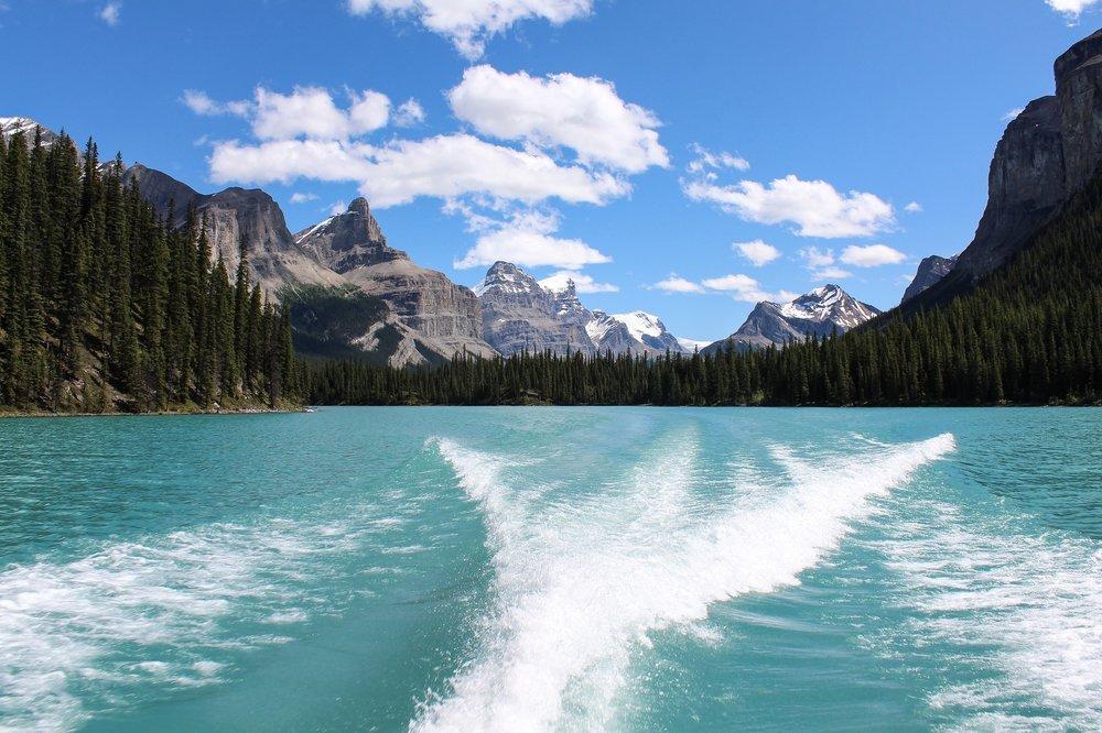 maligne-lake-1.jpg