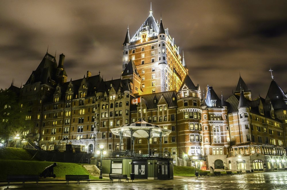architecture-night-chateau-frontenac.jpg