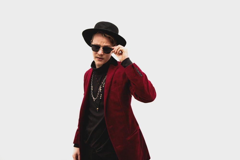 Jason Joyal- Lead Vocals/Keys