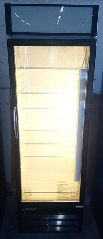 Single Door Display/Beverage Cooler $ 500.00 (OBO*)    3 Months Warranty / 115 Volts / 14.0 Cu.Ft. / Reconditioned