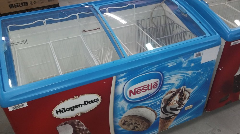Chest Ice Cream Freezer $ 500.00 ( OBO* )    3 Months Warranty / 115 Volts / 17.5 Cu.Ft./ Reconditioned