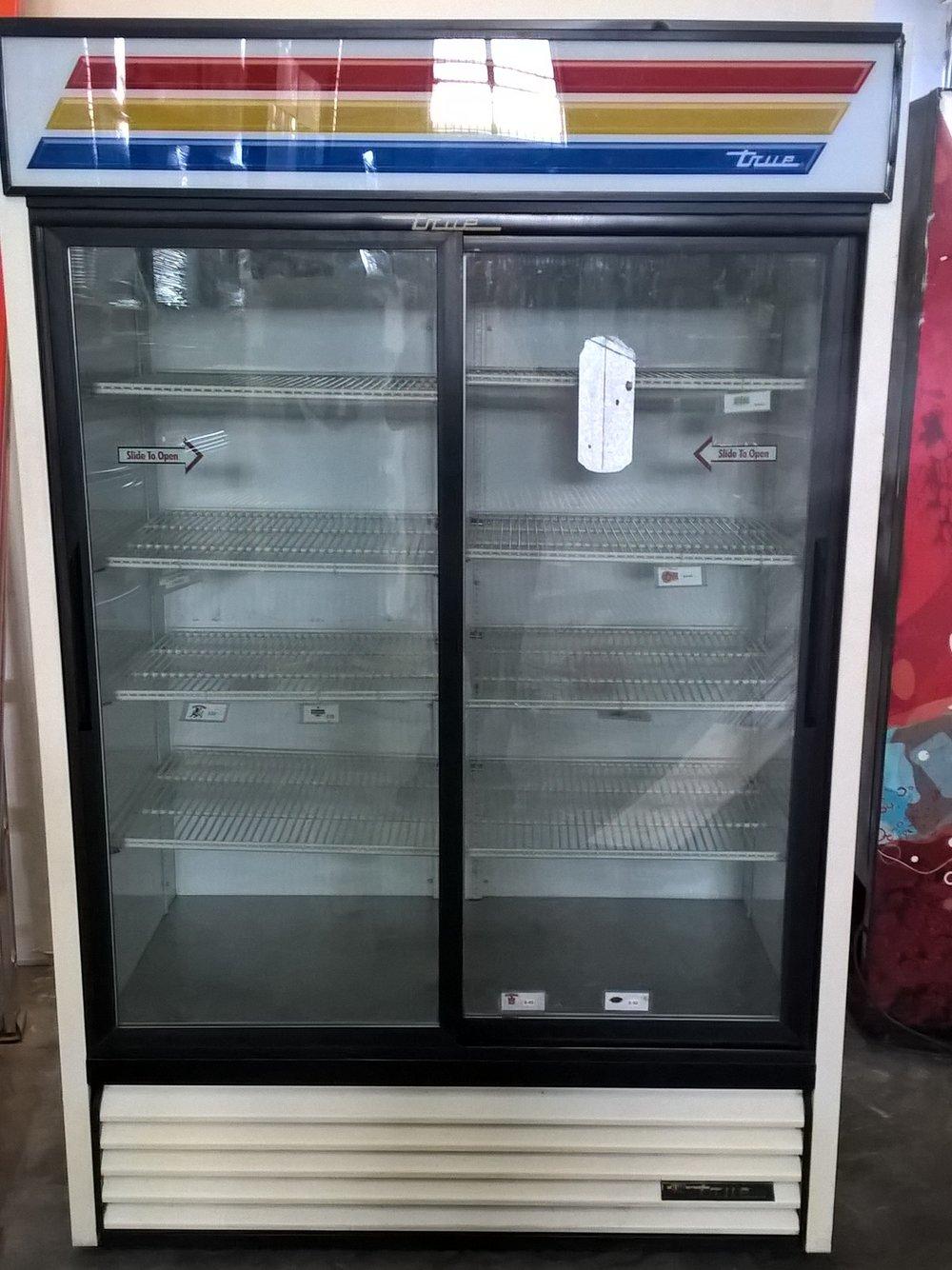 2 Door Display/Beverage Cooler $ 1000 ( OBO* )    3 Months Warranty / 115 Volts / 40.5 Cu.Ft. / Reconditioned