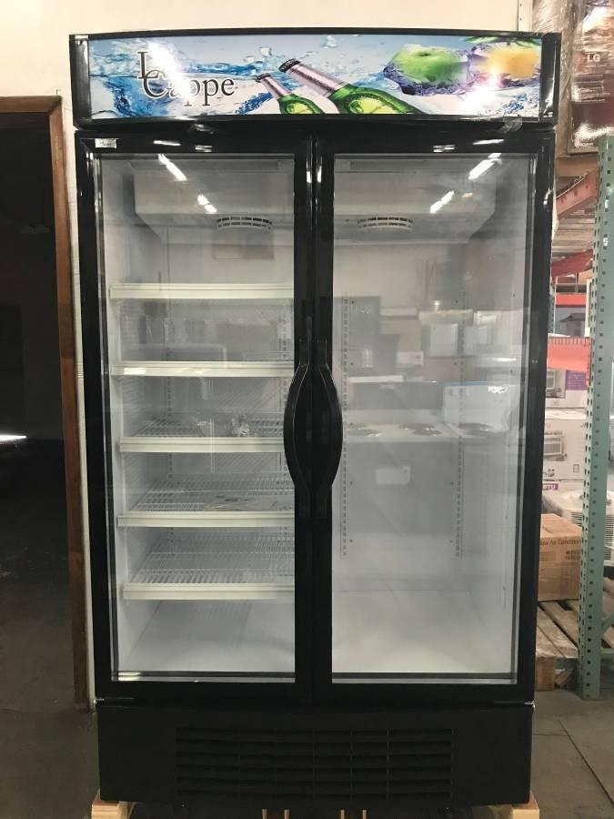 2 Door Display/Beverage Cooler $ 1450 ( OBO* )    3 Months Warranty / 115 Volts / 35.0 Cu.Ft. / New
