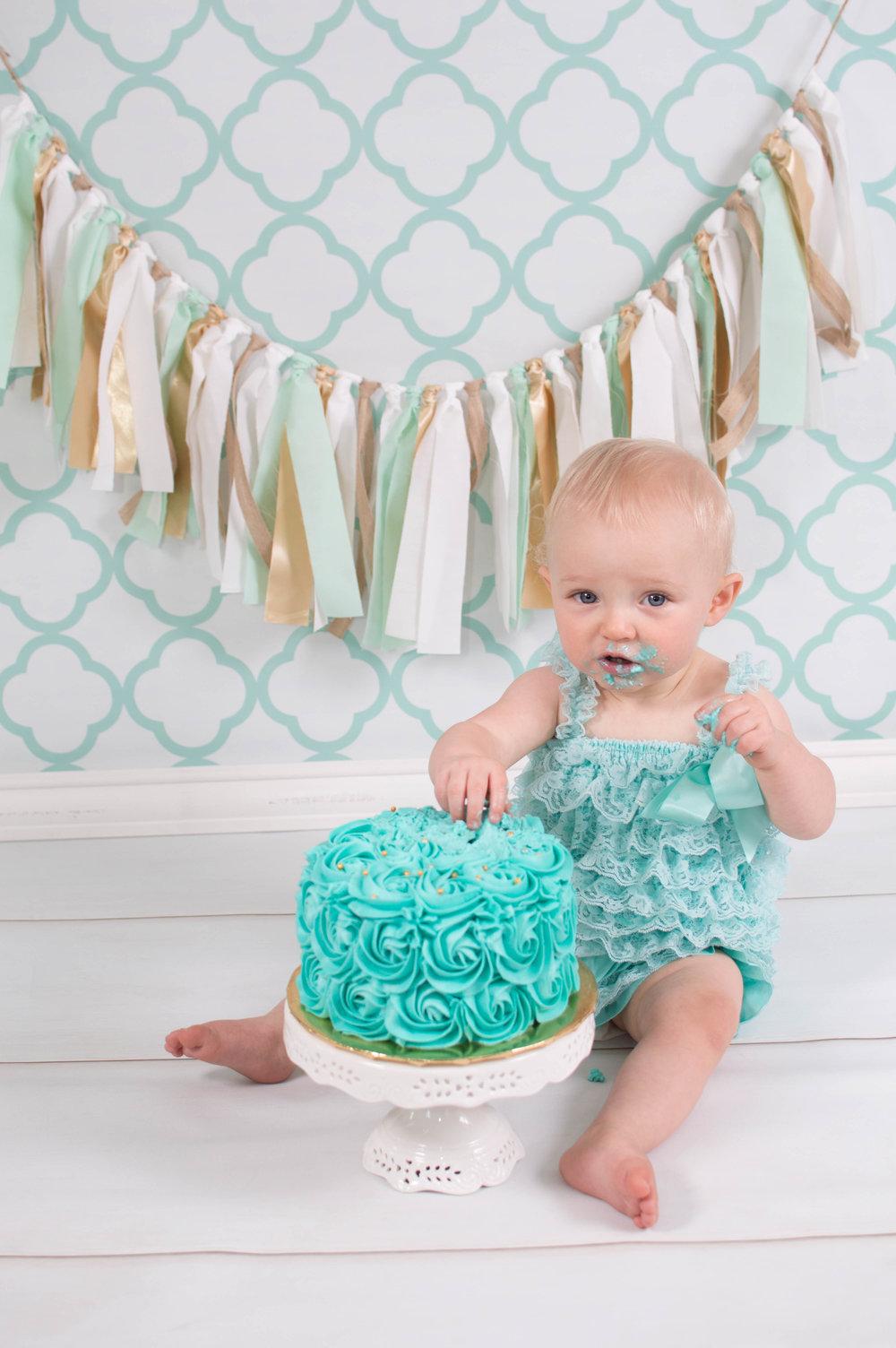 Cake Smash-39.jpg