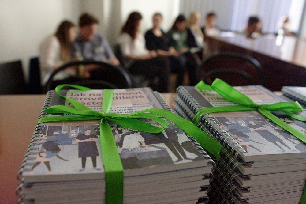 Krst publikácie Jako navrhnout férově sdílené město, Praha