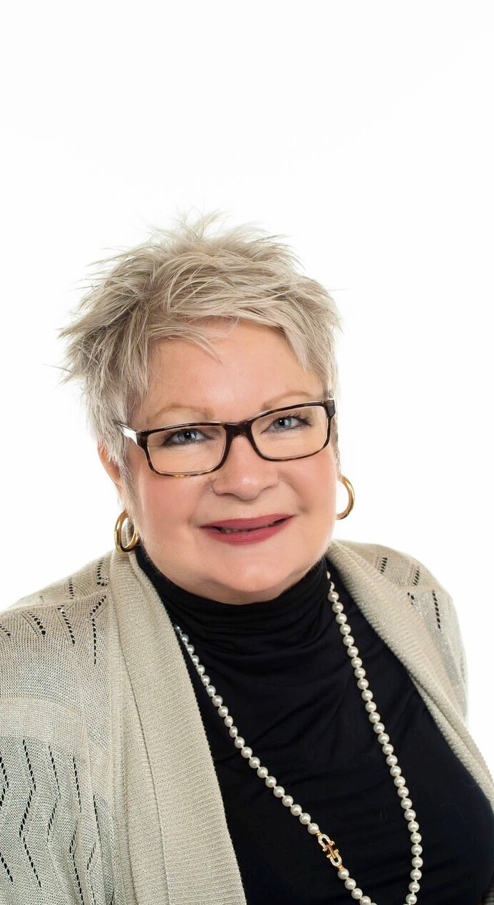 Deborah Folkes Salesperson