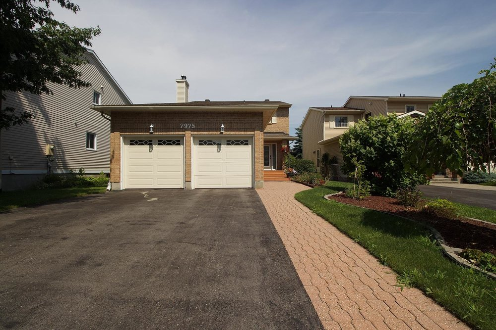 7975 Decarie Drive -   Click for Info