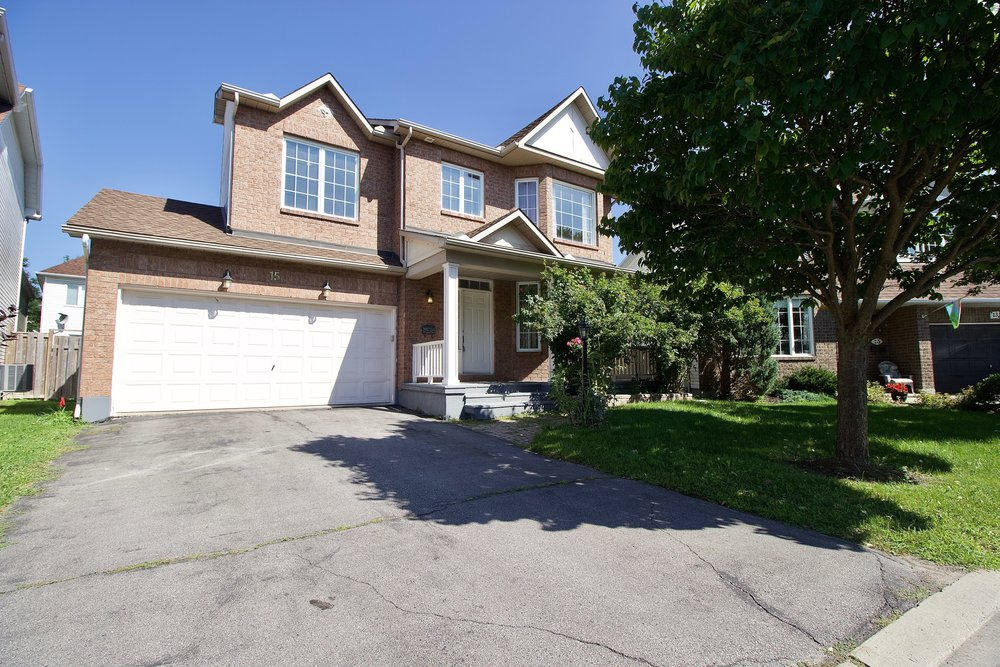 15 Stonepointe -   Click for Info