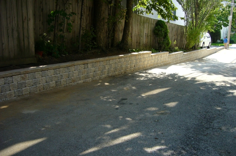 Stone retaining walls to hold back soil single sided