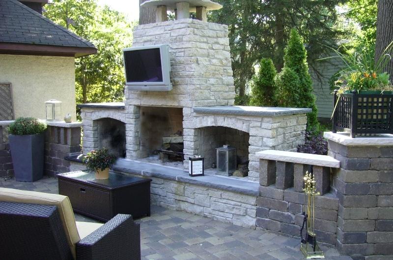 outdoor-licigin-spaces-design-paver-brick-chicago.jpeg