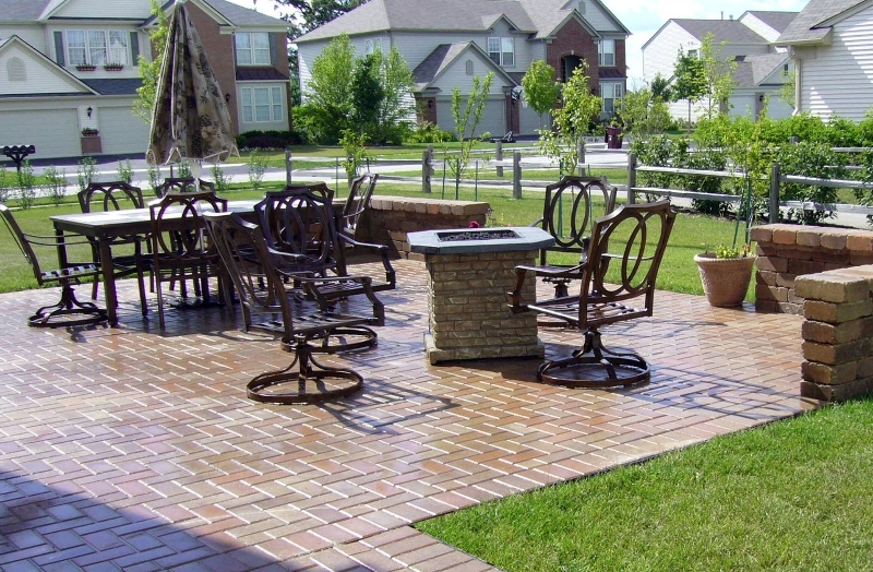 brick-paver-outdoor-patio-projects-chicago.jpeg