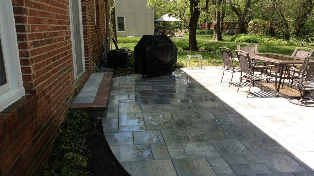 Patio Steps and Outdoor Living Space Paver Design