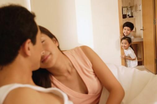 parents-having-sex-when-children-are-around-the-corner.jpg