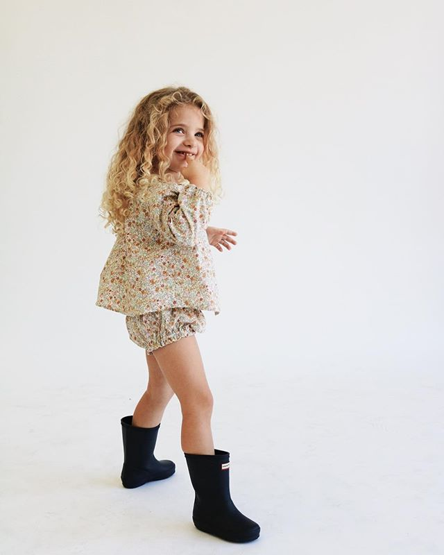 we've got ONE pair of our floral dawn bloomers left in 3T, and TWO of these floral daylight blouses in 18-24m + 3T! since it's almost Valentine's Day, we bought we'd celebrate with another sale on sale. use code BEMINE until Sunday at midnight for 20% off your orders 💘