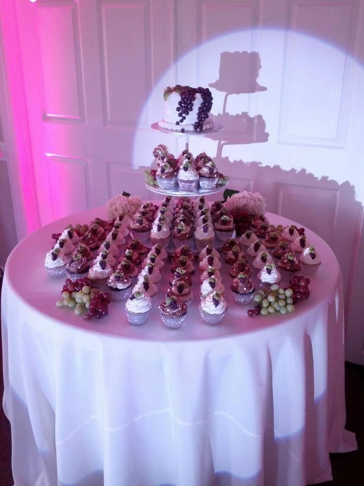 wedding_cupcakes2.jpg