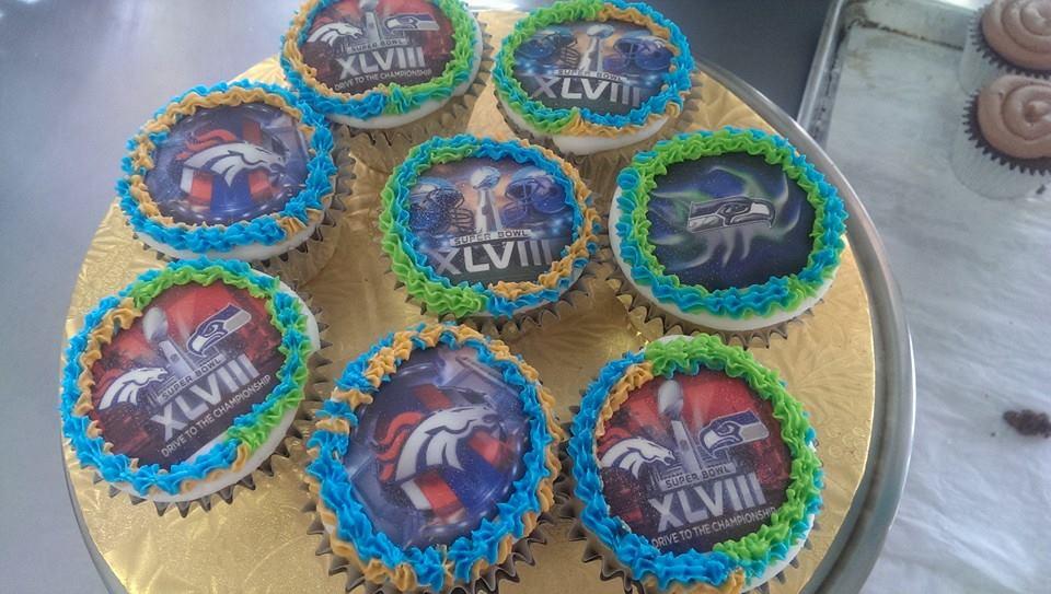 cupcakes_superbowl.jpg