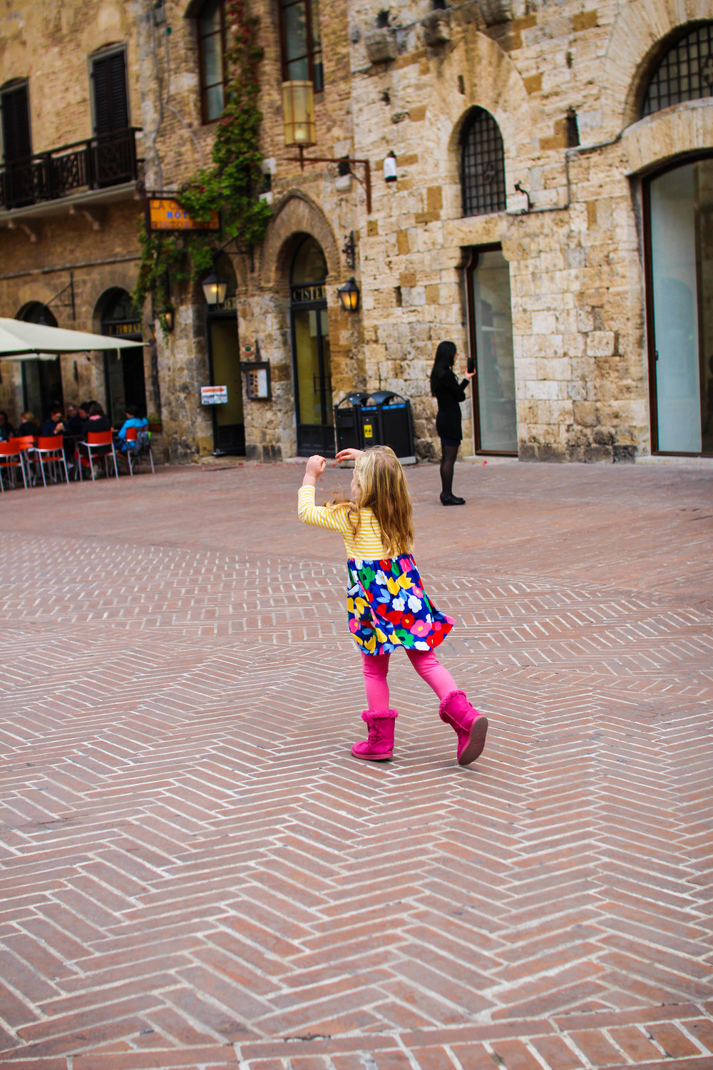Ballet in the town square of San Gimignano post-gelato
