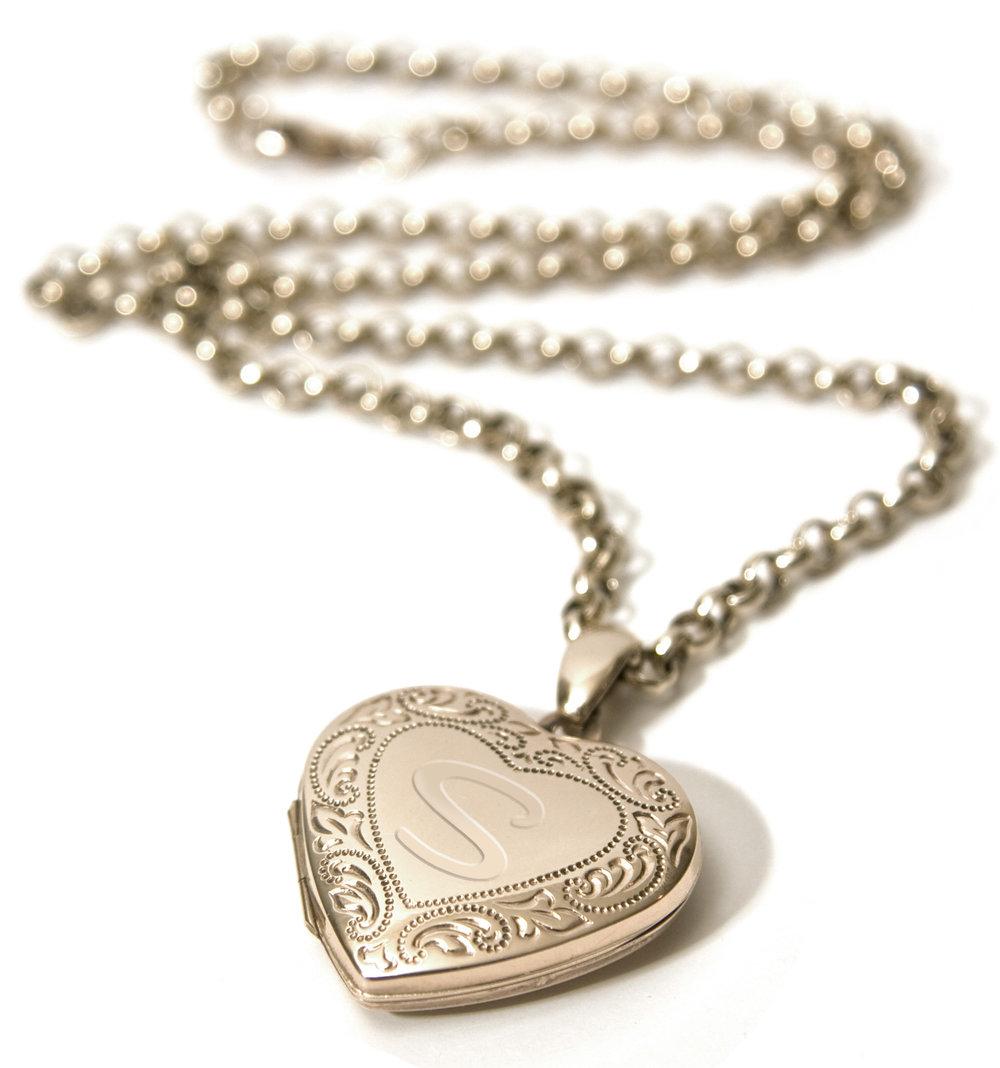 gold-locket-ss.jpg