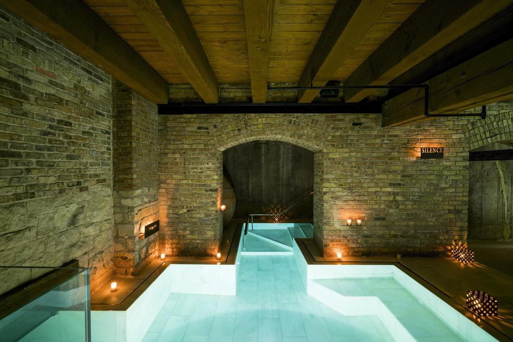 AireAncienBathsChicago-indoor_outdoor bath.jpg