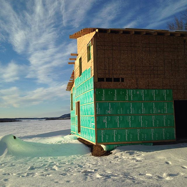 Construction is halted until it warms up about ohhhhh, 10-15 degrees #sugarshack