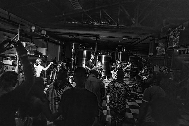 TONIGHT! 🙌🏼 @northsidetav w/ @barefuzz & #AcrylicGrooves ... FREE SHOW / 21+ ... music starts at 9!🎸🥁
