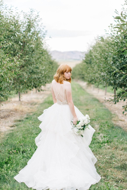 mila-adams-kentucky-utah-wedding-florist-white-bouquet-7