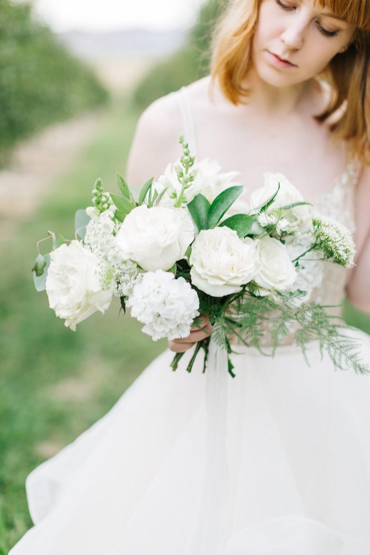 mila-adams-kentucky-utah-wedding-florist-white-bouquet-10