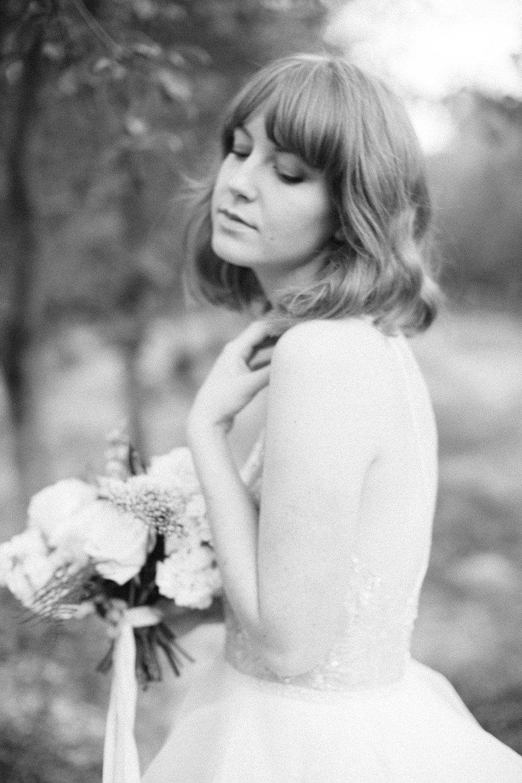 mila-adams-kentucky-utah-wedding-florist-white-bouquet-11