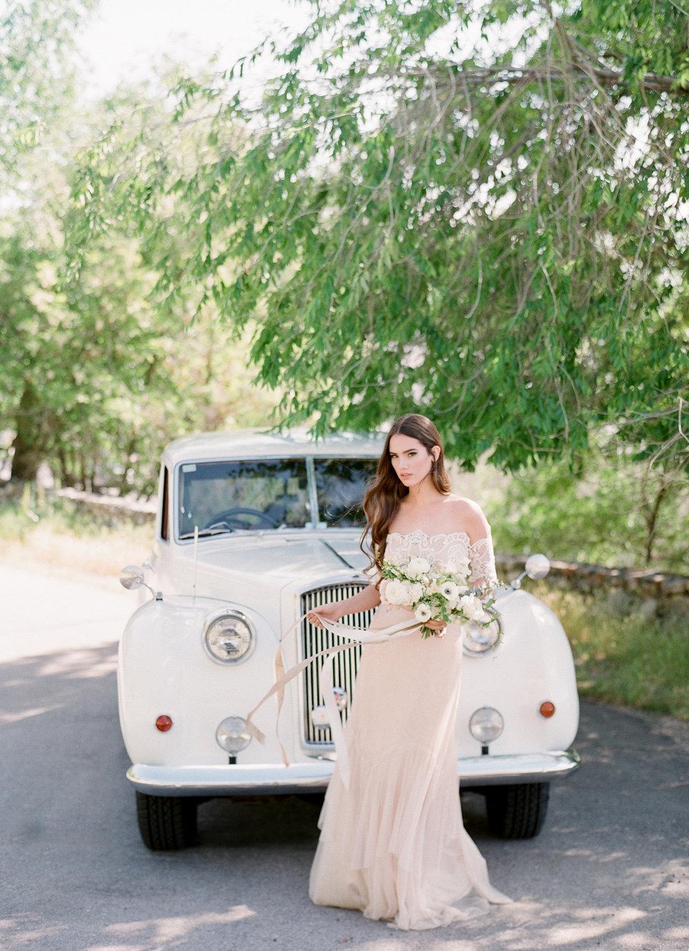 White Bouquet  Louisville Lexington Kentucky Wedding Florist