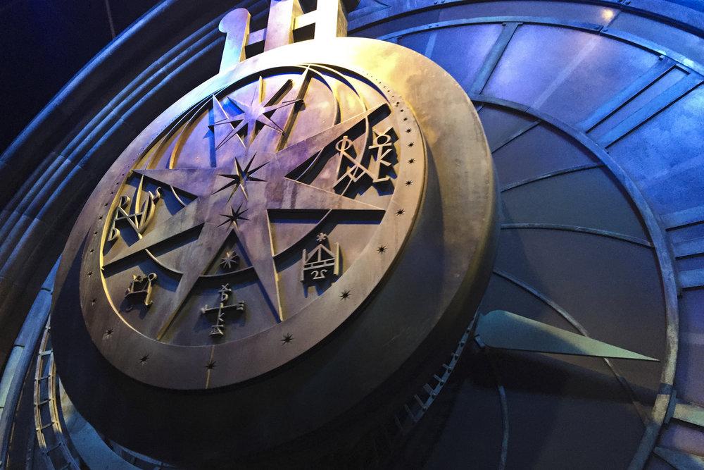 Hogwart's Pendulum Clock